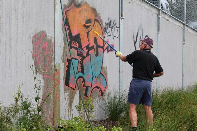 Grafitti Removal - The Rutherford Telarah Rotary Club​